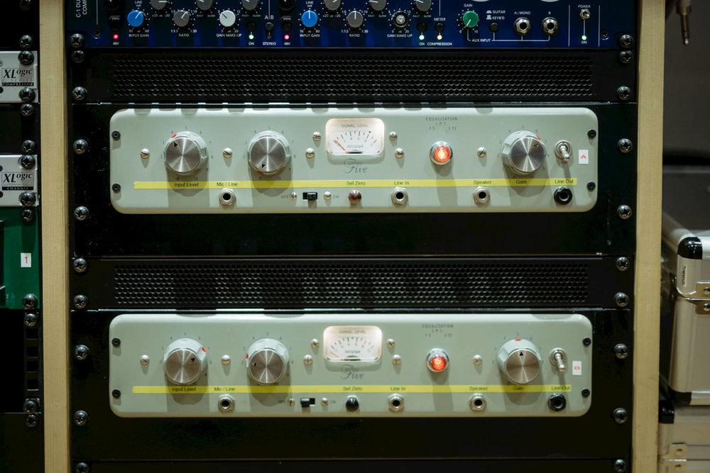 Rack-valve-pres-evolution-studios-oxford-detail-equipment.jpg