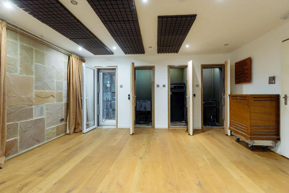 open-doors-to-booths-evolution-recording-studios-oxford.jpg