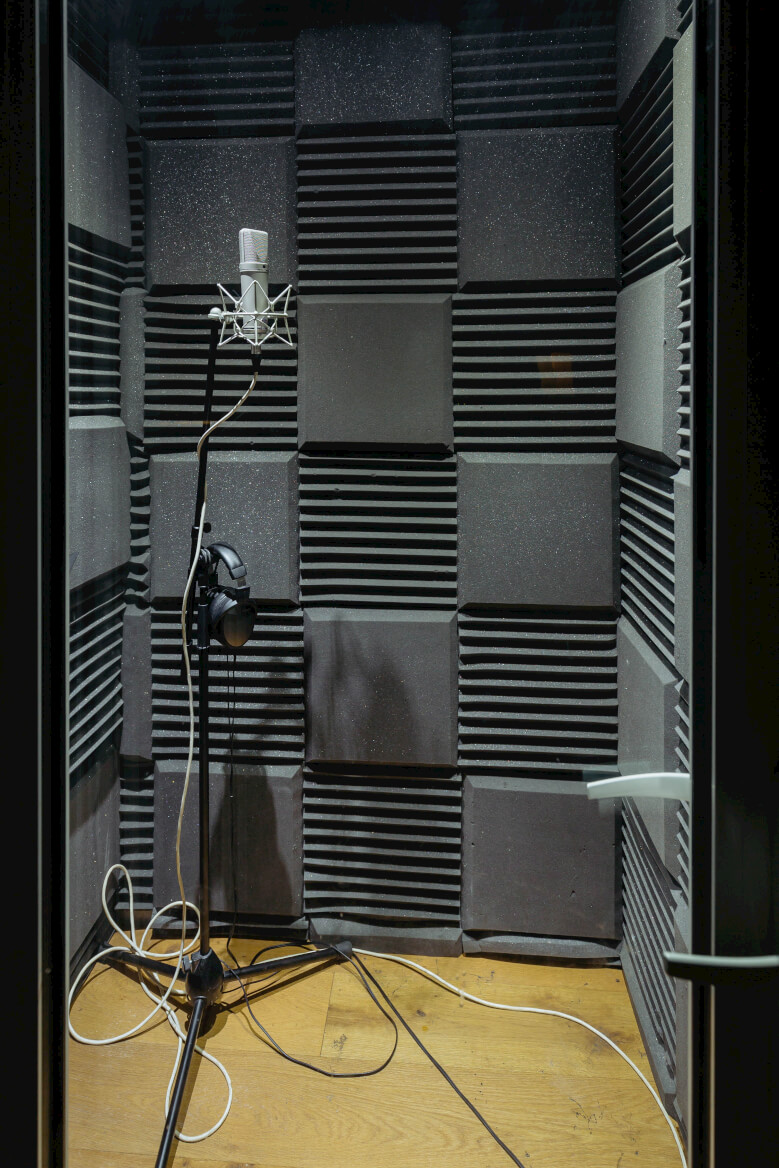 vocal-booth-evolution-recording-studios-oxford.jpg