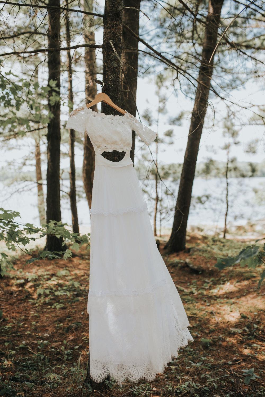 boho-bohemian-wedding-dress-toronto-bohemian-boho-outdoor-summer-wedding-documentary-wedding-photography-by-willow-birch-photo.jpg