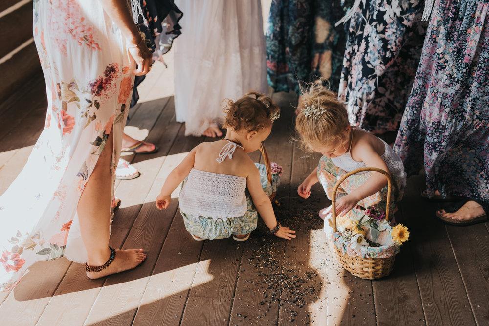 flower-girls-toronto-bohemian-boho-outdoor-summer-wedding-documentary-wedding-photography-by-willow-birch-photo.jpg