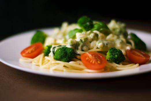food-dinner-pasta-broccoli.jpg