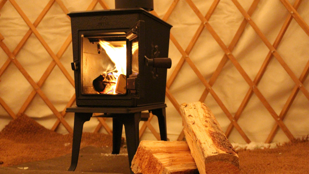 Wood Oven - Service Type: RentalMaterial: Cast ironVentilation: Insulated chimneyStyle: Wood