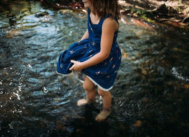 Some of my favorite childhood memories look a lot like this; bare feet, dresses, playing in the river enjoying Colorado summers. 💕☀️