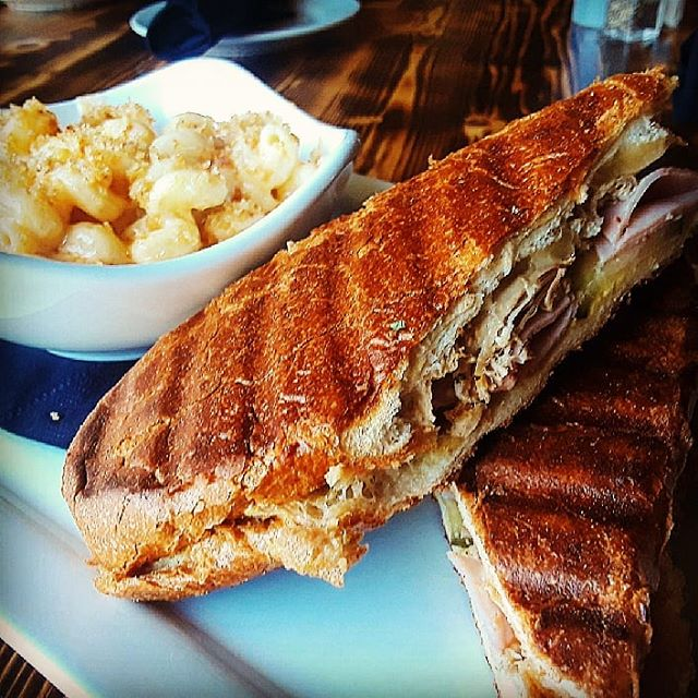 Have you stopped in for lunch yet? This beauty is our Craft Cuban with smoky Mac-N-Cheese. Unfortunately, it's only available until 4 pm Monday thru Saturday. See you soon!