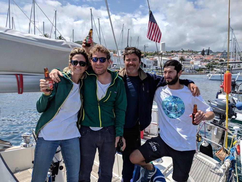 Recién llegados a Horta, Azores. Gracias tripulación! (NachoZap, Pipi, Pablo)