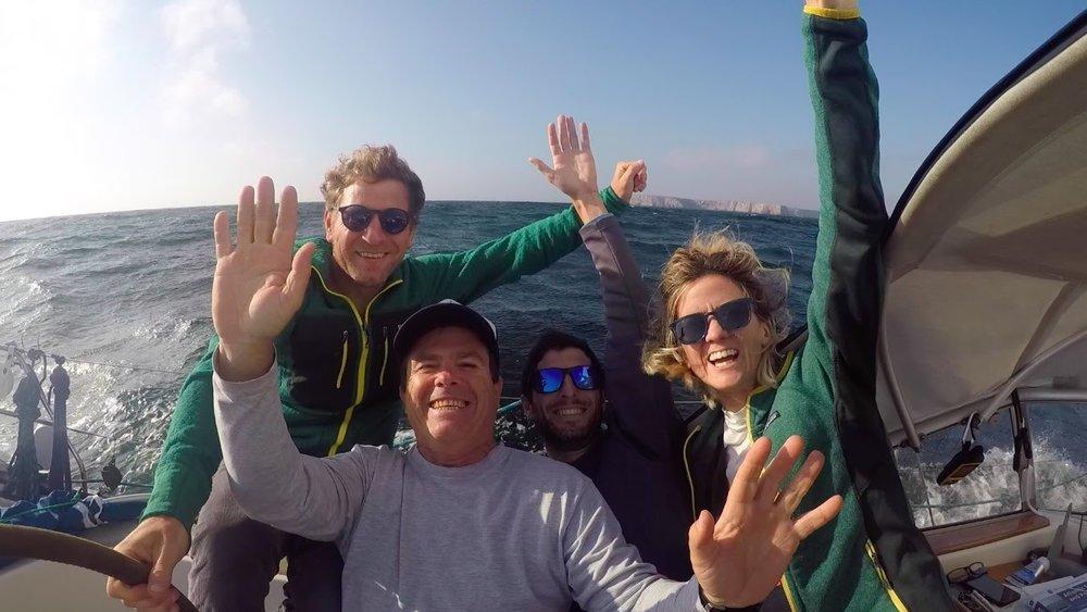 Felicidad a bordo por Tierra (continental) a la vista