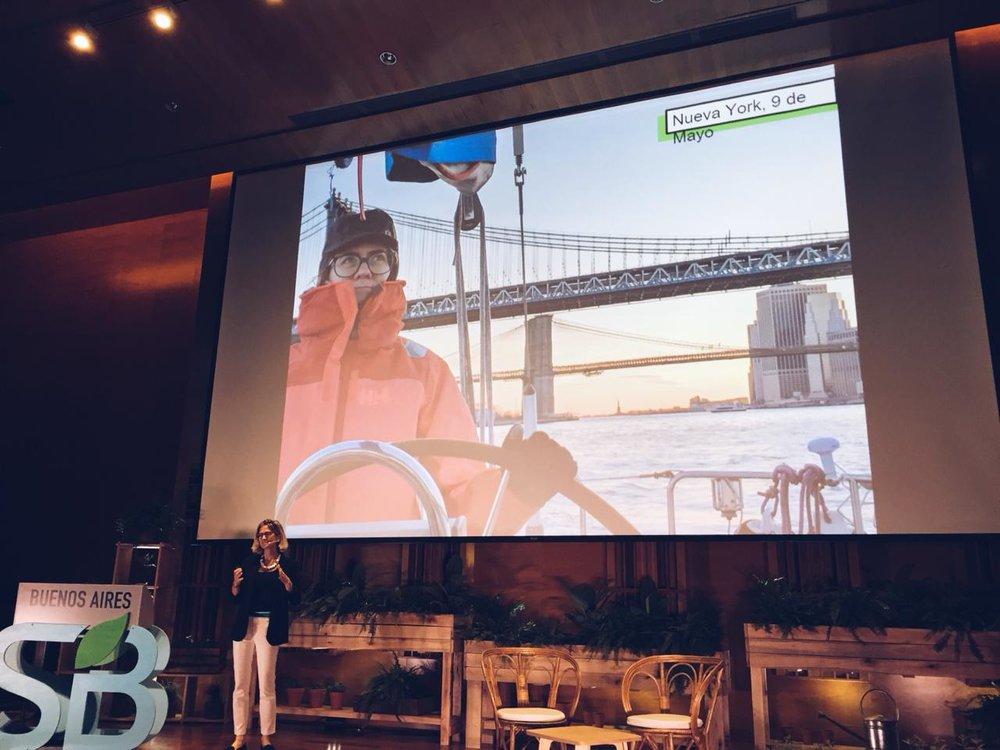 En el escenario de Sustainable Brands compartiendo la aventura