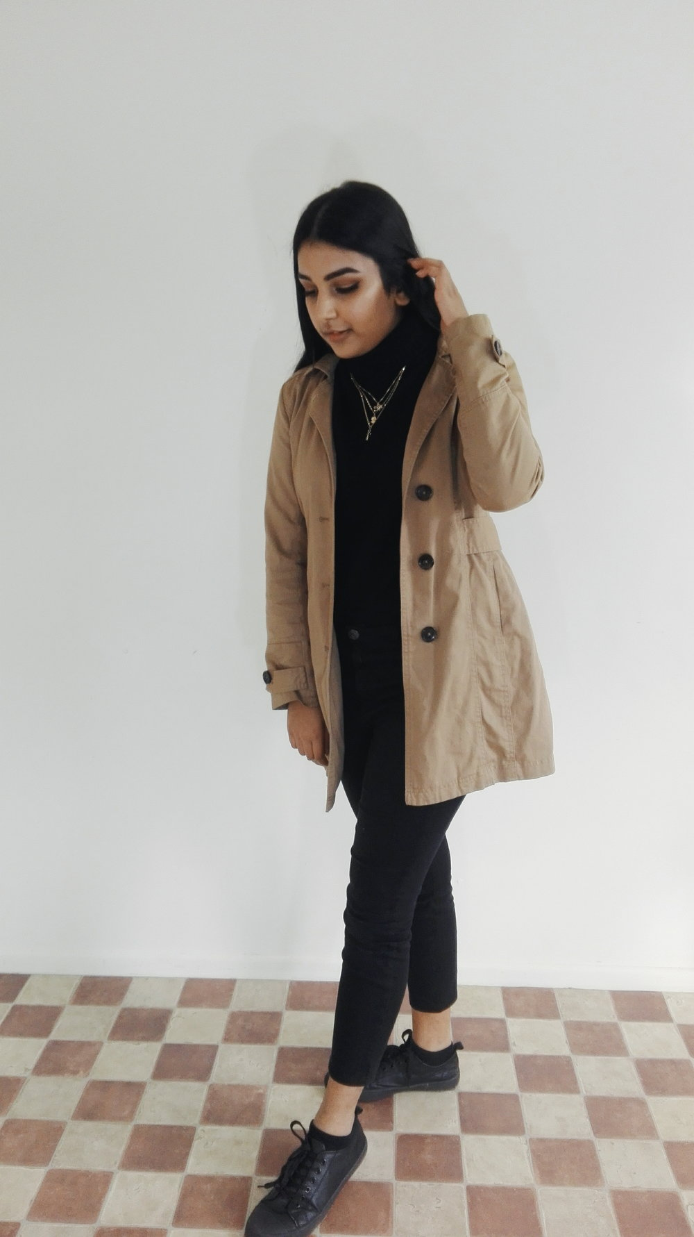 Is it still too cold, then grab your favourite coat. Coats look more sofisitcated and mature and keep you warm warm warm.