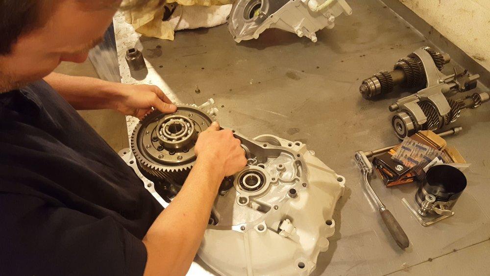 d-series transmission build.JPG