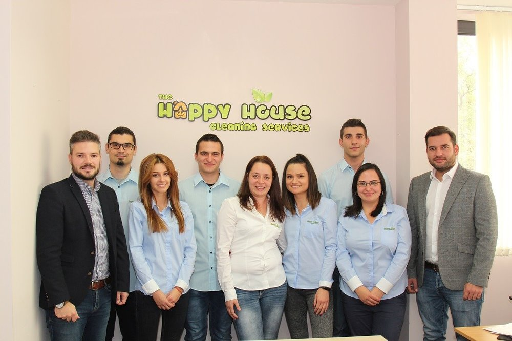 The-Happy-House-Cleaning-team-1024x682.jpg