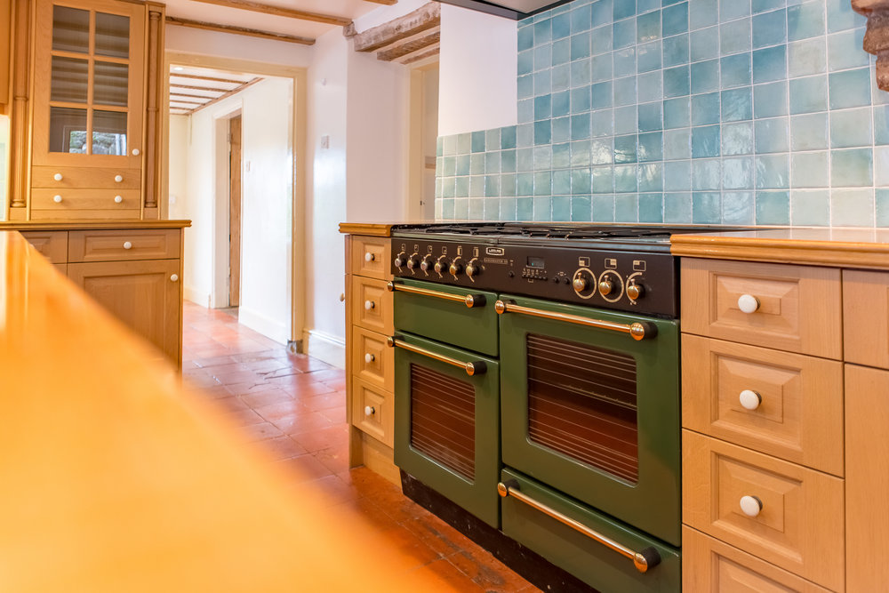 Kitchen Before1.jpg