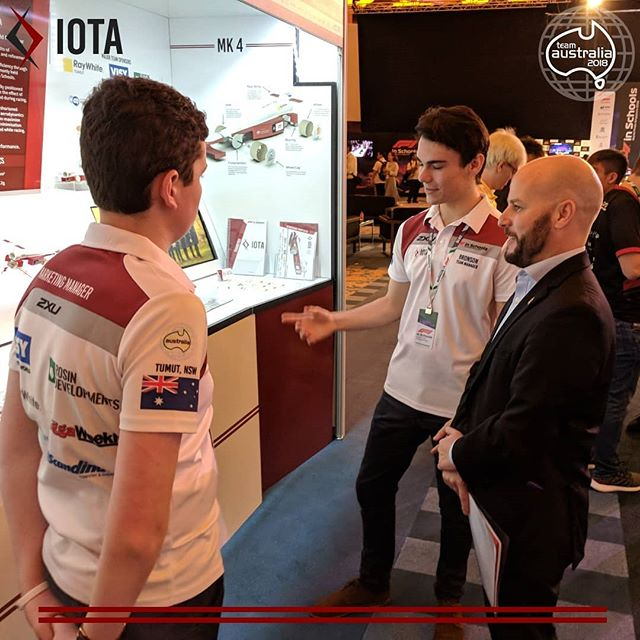 Giving the British High Commissioner to Singapore a tour of our pit!  #F1SWF #F1SWFmoment #F1inSchools #TeamAustralia