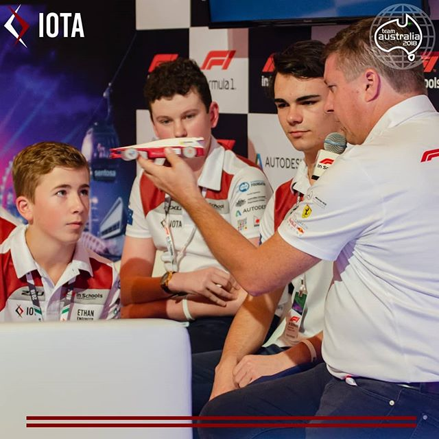 Giving @croftyf1 a rundown of the engineering behind our World Finals car!  #F1SWF #F1inSchools #TeamAustralia