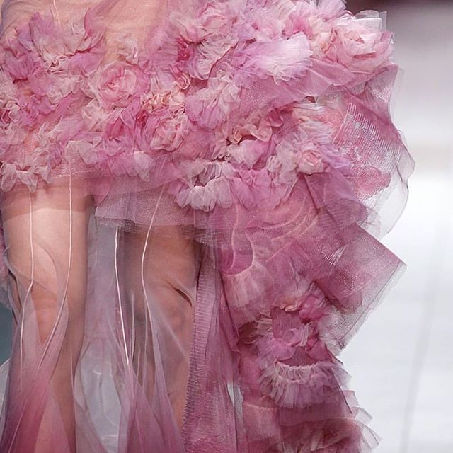 Inspirational tulle by @marchesafashion 💗