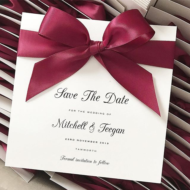 🎀 Classic burgundy Save The Date Cards 🎀 20% off until Christmas 🎀