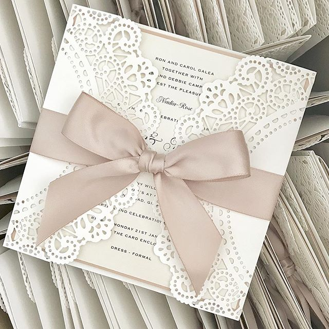 💕 Even more 'White Ivy' invitations leaving today 💕 20% off if you place your order before Christmas 💕