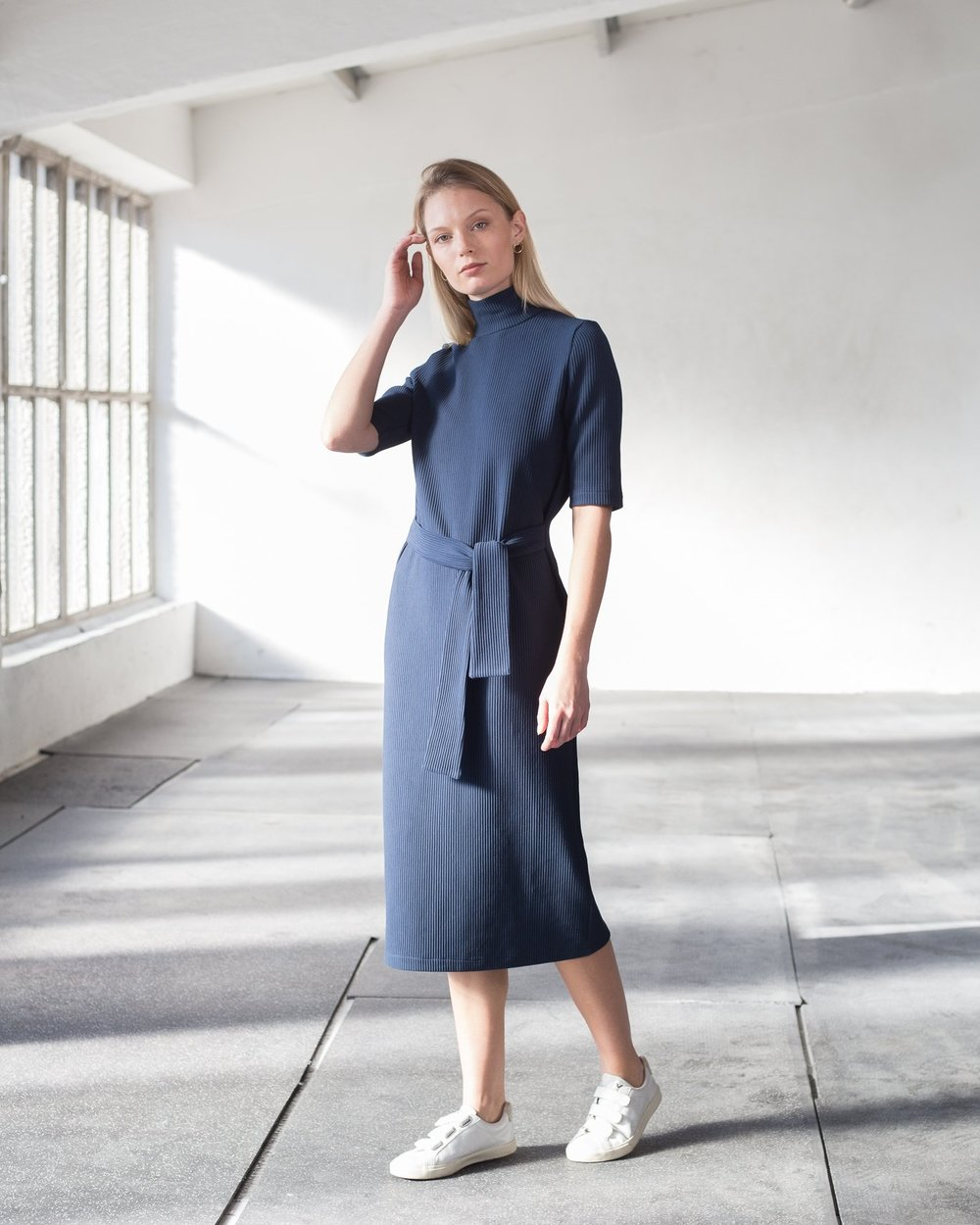 High-neck rib cotton dress in navy blue (€137)