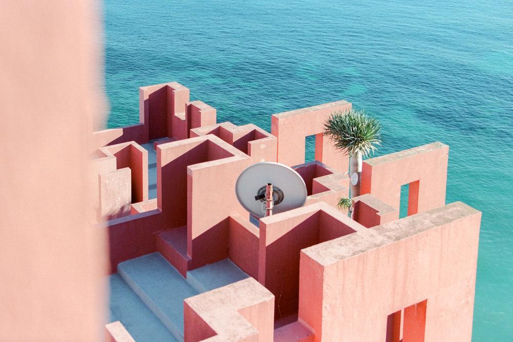 L'oeuvre de Bofill et la mer Méditerranée, Calpe