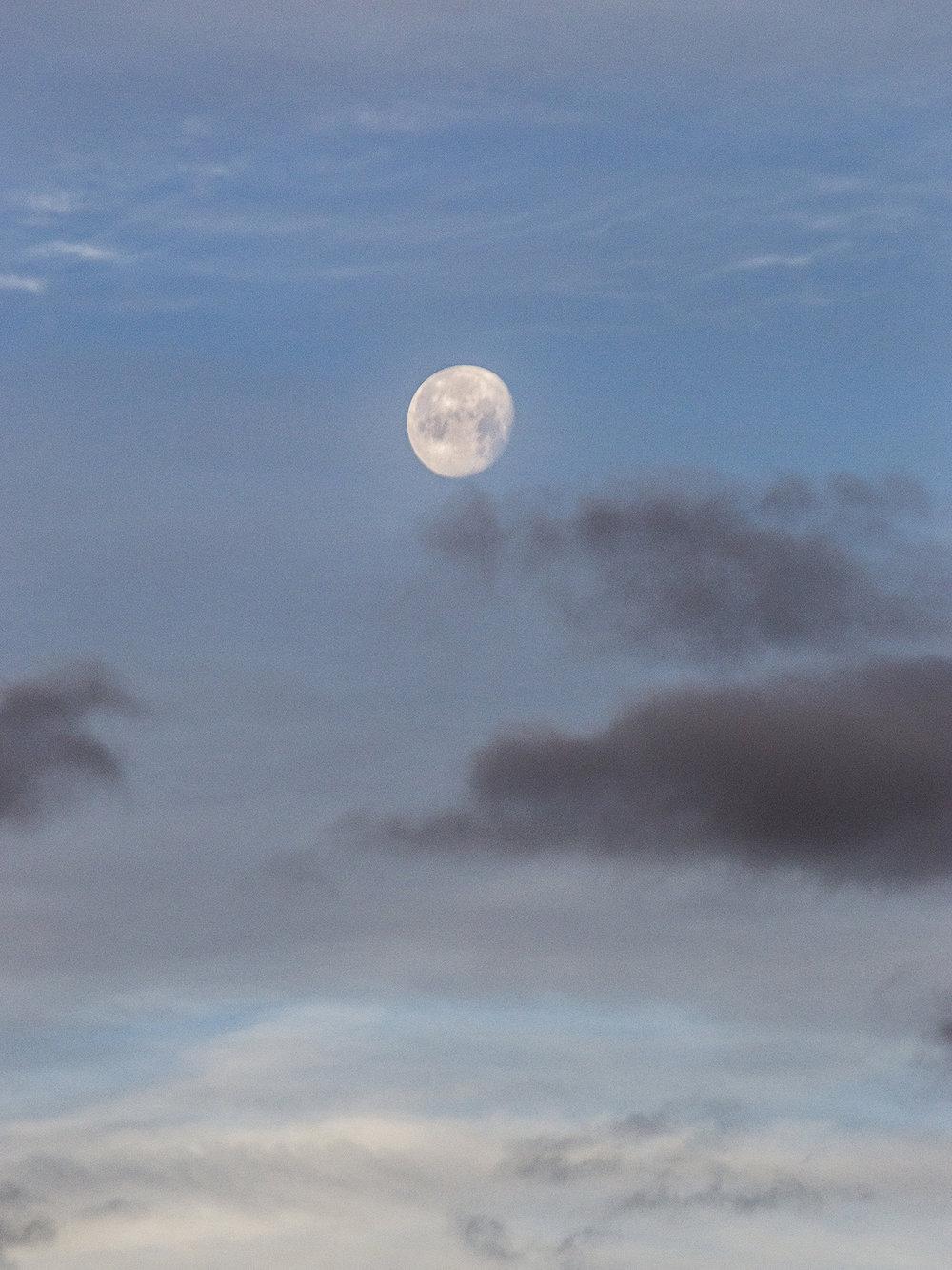 Lune, Pyrénées