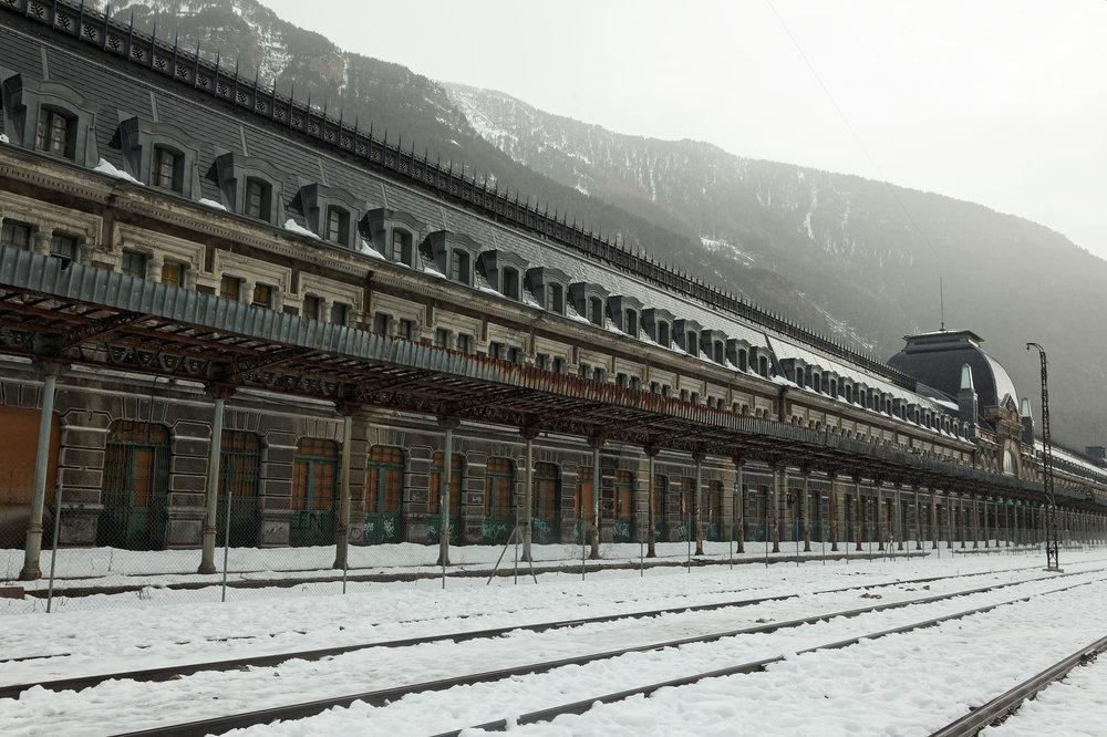 La gare de Canfranc qui culmine à 1195 mètres d'altitude, Espagne