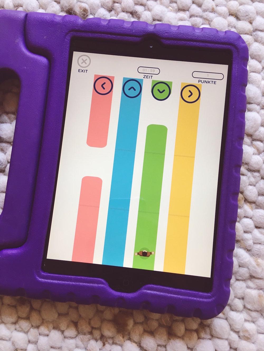 """Das Mini-Spiel """"Spurwechsel"""" in der gratis Zahnputz-Coach-App von Playbrush."""