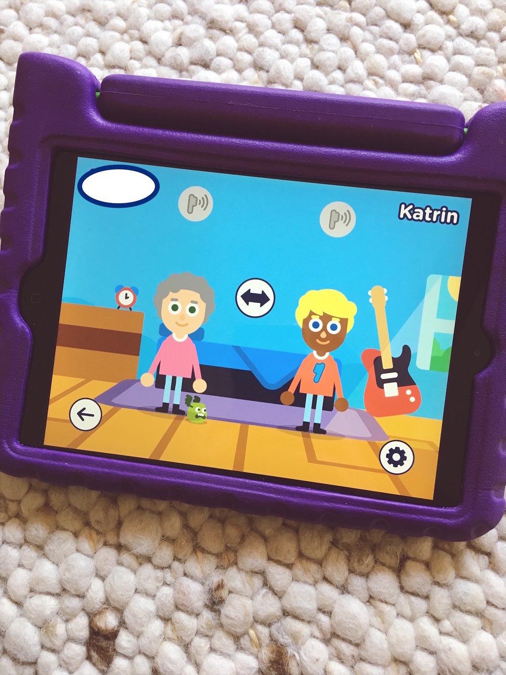 """In """"Utoothia Dance"""" können zwei Spieler gleichzeitig antreten. Wir haben zwei Smart Sonic Geräte, leider scheinen sie sich häufig gegenseitig zu stören. Ich konnte das Spiel gelegentlich nur im Einzelspieler-Modus spielen."""
