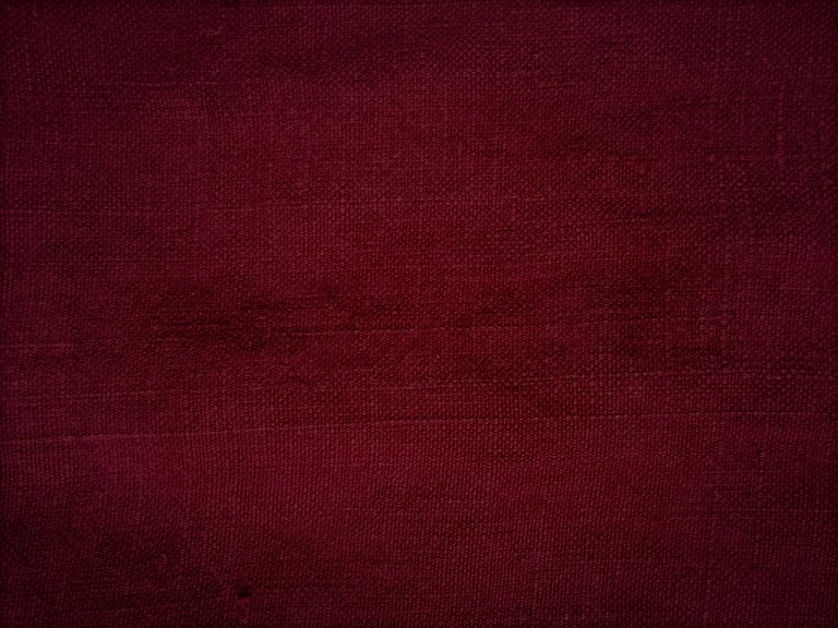DARK WINE C021 - The colour of Bordeaux, of winter scarves, velvet lipstick and couches in mountain homes.