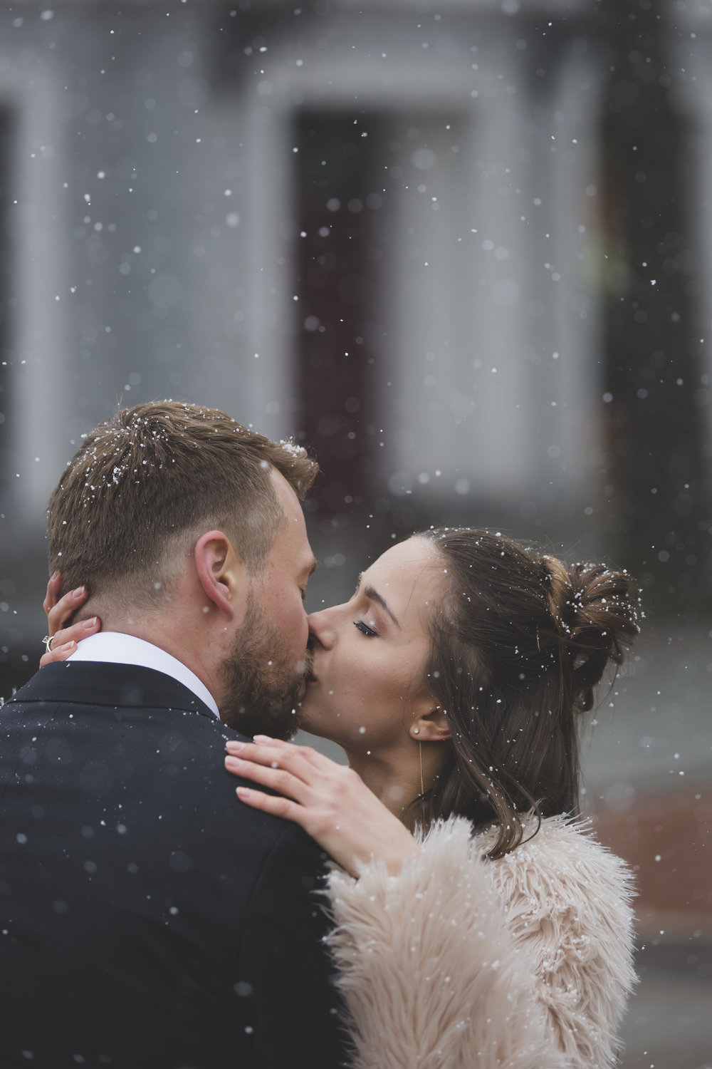 Kissing snow Wedding photo by wedding photographer Valdur Rosenvald