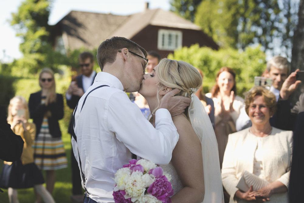wedding-photos-093-wedding-photographer-in-tallinn.jpg