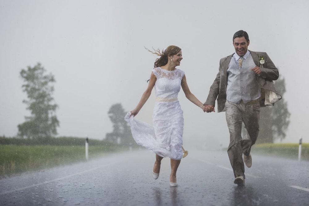 wedding-photos-090-rainy-wedding-photo.jpg