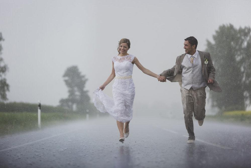 wedding-photos-092-rainy-wedding-photo.jpg
