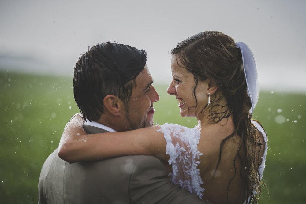 wedding-photos-093-rainy-wedding-photo.jpg