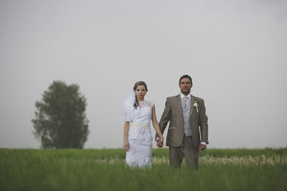 wedding-photos-100-rainy-wedding-photo.jpg