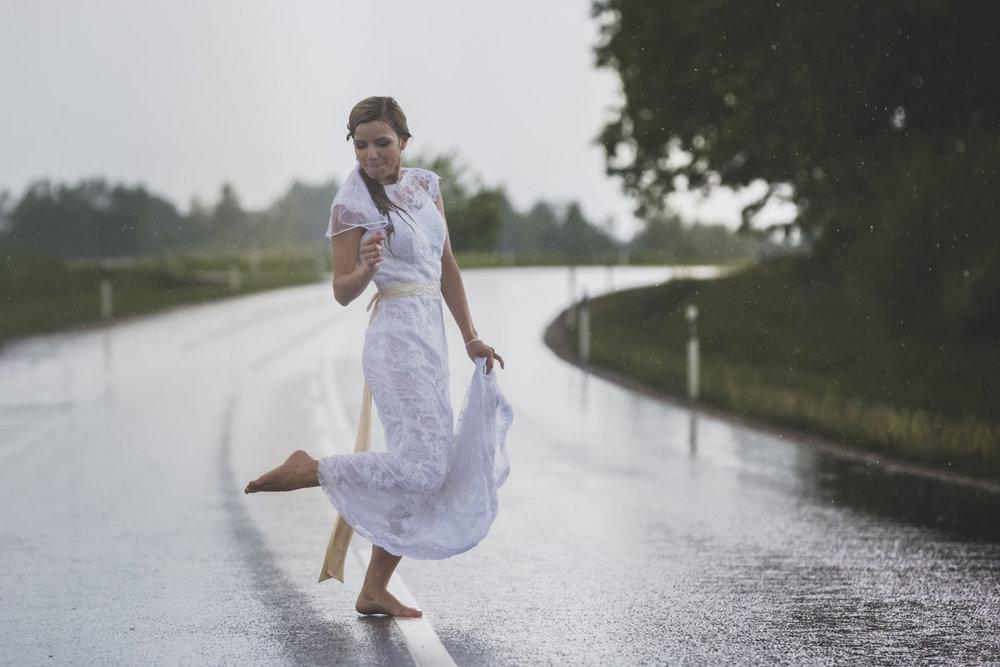 wedding-photos-102-rainy-wedding-photo.jpg
