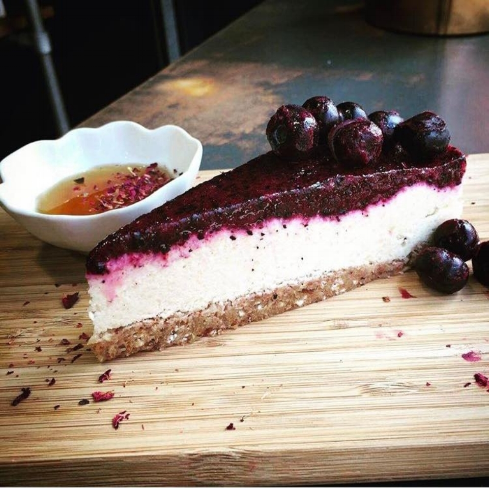Raw Vegan Blueberry Vanilla CheeseLess Cheesecake
