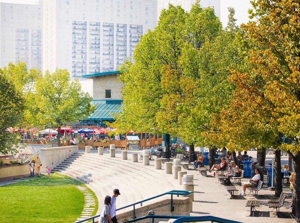 ....The Forks Urban Renewal..Réaménagement urbain de La Fourche....