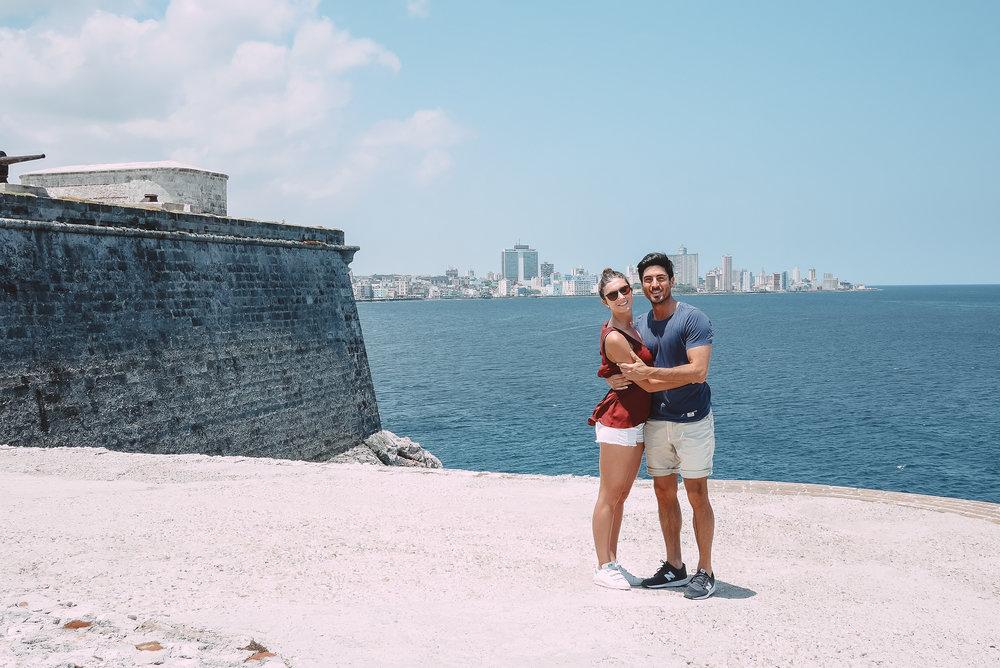 visiter-cuba-couple-the-cheerfulist