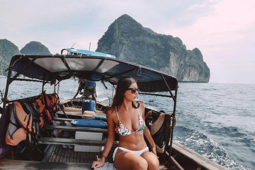 visiter-koh-phi-phi-en-bateau-the-cheerfulist
