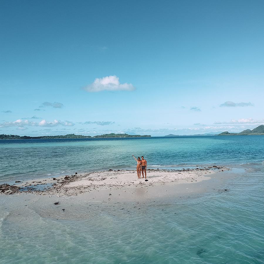 Passer un moment seuls au monde, sur une île au milieu de rien -