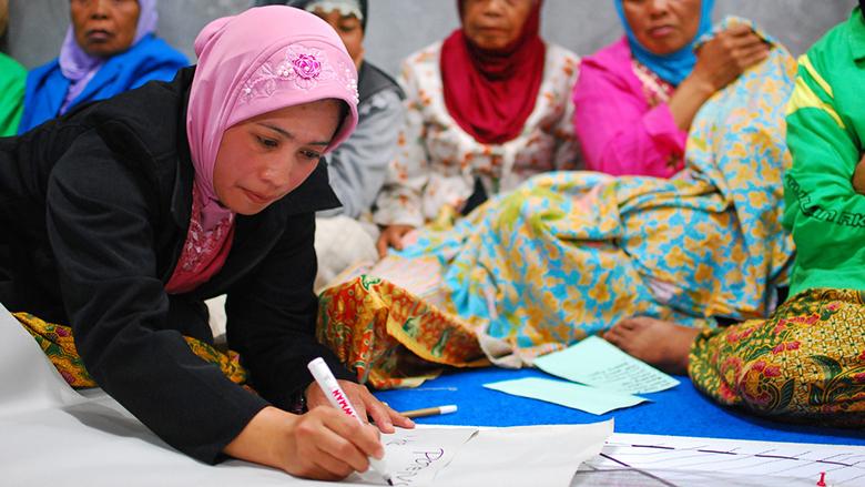 women-in-indonesia-780x439.jpg