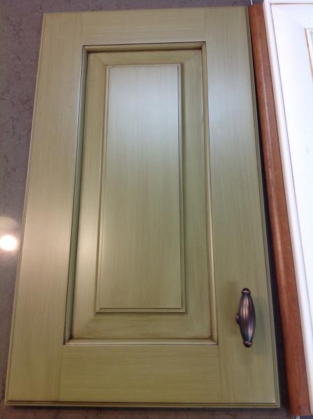 Brushed glaze finish on green paint