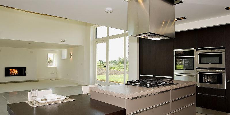 LoRes8087602-kitchen04-800-web.jpg