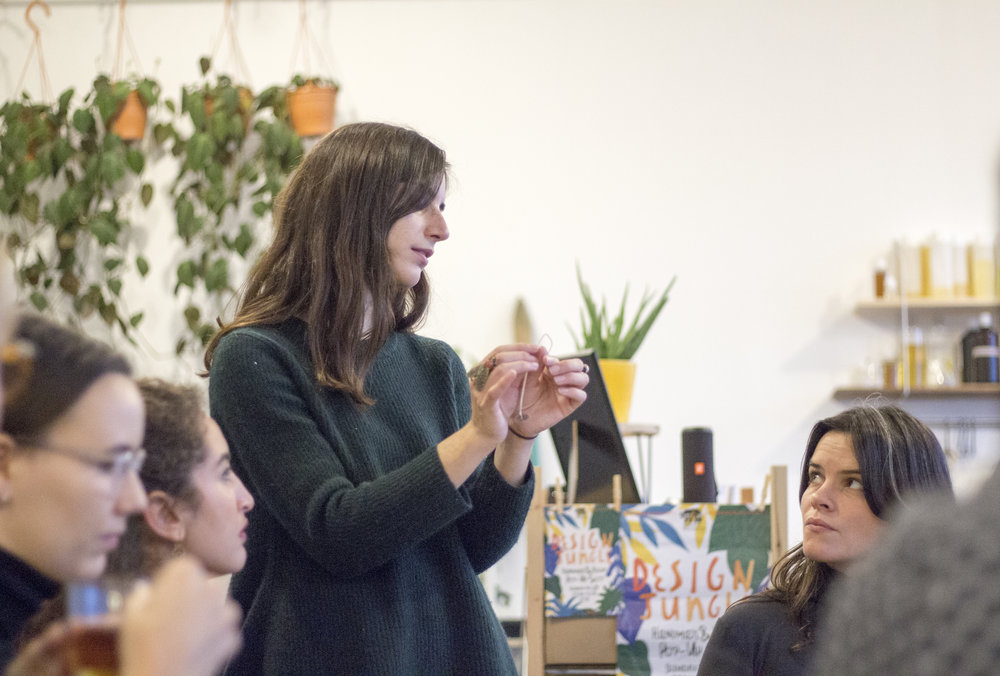 For a day - Get inspired and crafty togetherA full or half-day with your teammates in a new environment will allow you to connect and get inspired with our selection of food, wellness, crafts and art workshops.