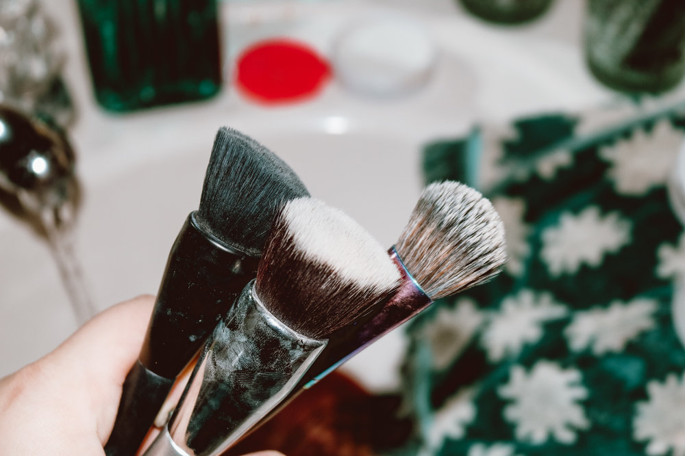 Post-wash. Brushes are fluffy and free of product.