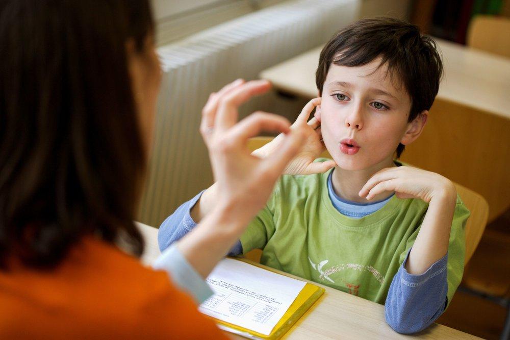 speech-therapy-530675076-577554045f9b58587584c265.jpg