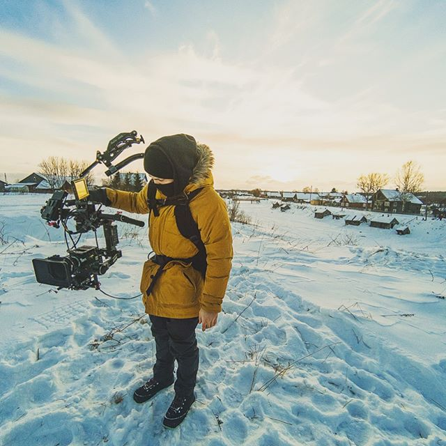 Return in cold. Cameraman @ivanya_andrianov on the project of @redbull #sandcastle #vvcforce #vvcforceproduction #backstage #action
