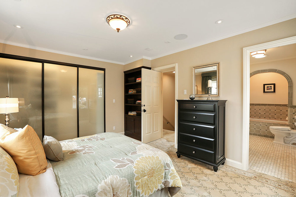 masterbedroom 2.jpg