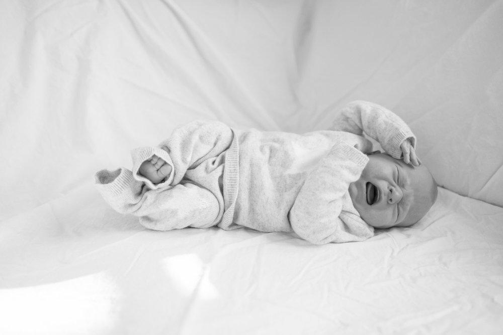 newborn-baby-family-portrait-photographer-081.jpg