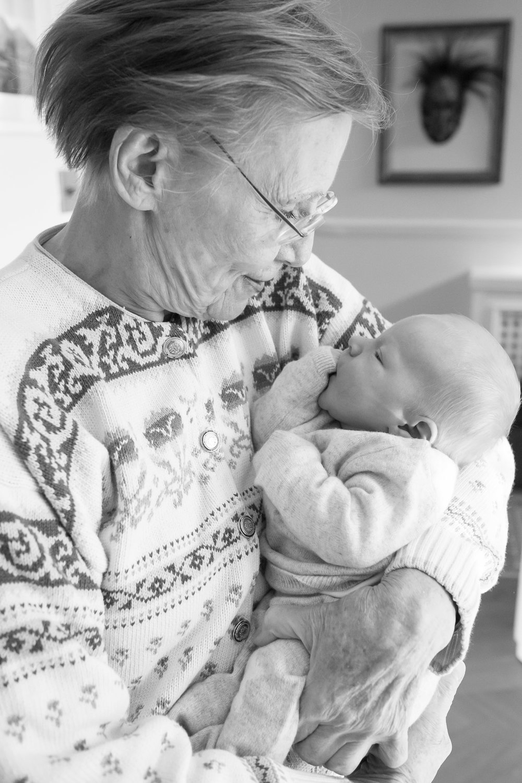 newborn-baby-family-portrait-photographer-095.jpg
